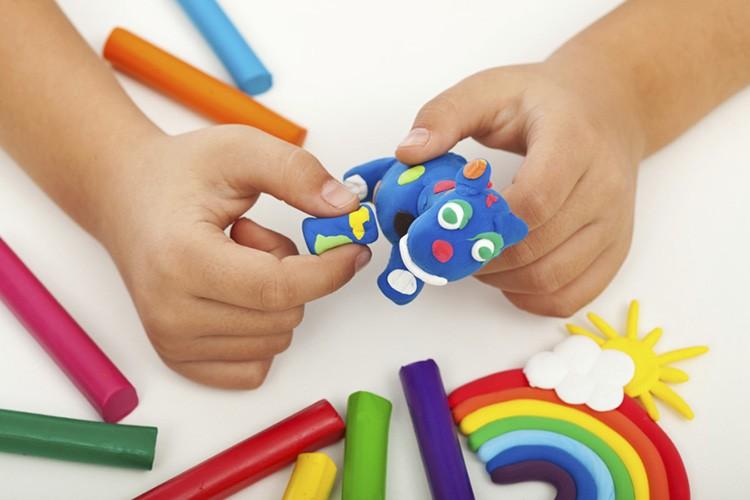 Простые и сложные поделки для детей из пластилина