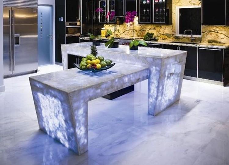 Мебель из кварца с подсветкой будто перемещает в будущее