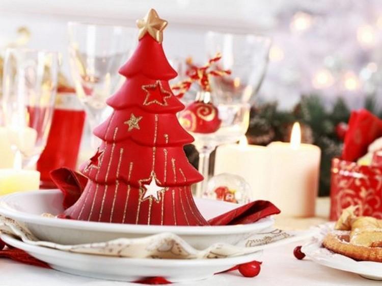 Яркие салфетки помогут расставить акценты на праздничном столе
