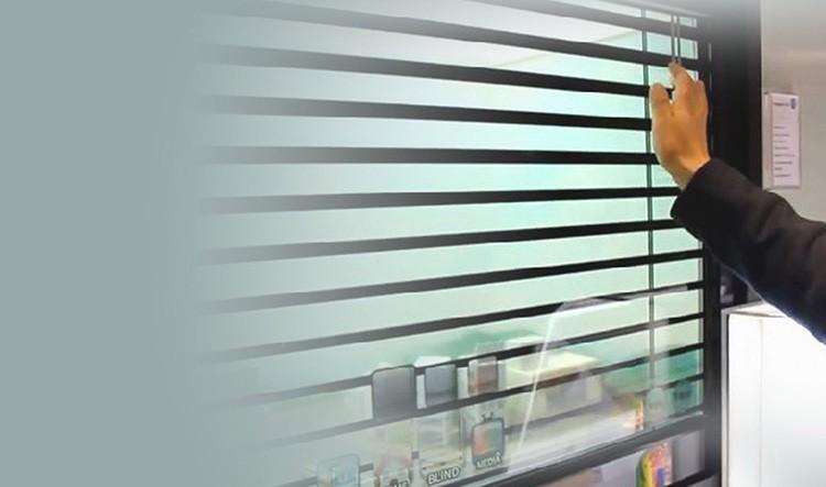 Такое стекло можно сравнить со смартфоном. Жаль только позвонить с него нельзя, хотя, возможно, в будущем…