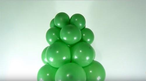 🎄 Ёлка из воздушных шаров - неожиданное решение для корпоратива на скорую руку