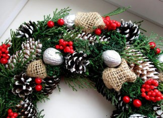 Волшебство начинается с входной двери: как сделать новогодний венок своими руками