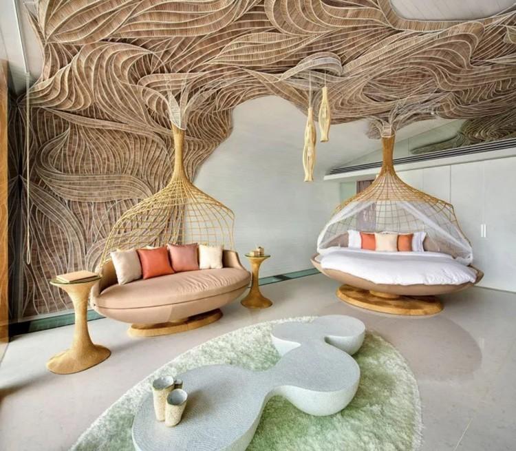 Однако, уже сейчас некоторые любители экспериментального дизайна могут приобрести себе пару кроватей – капсул.