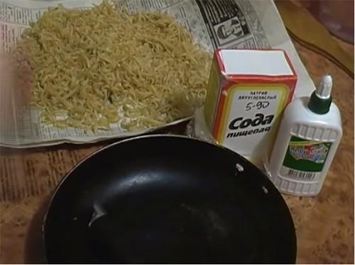 🍳 Скажем «Нет!» грязной посуде на кухне: как очистить сковороду от нагара