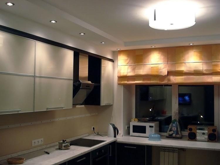 На кухне должно быть светло в любое время дня и ночи