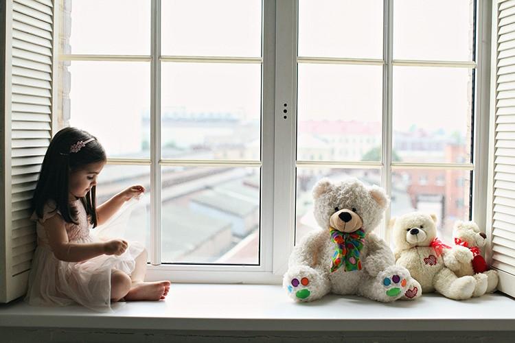 На сегодняшний день стеклопакеты с триплексом – лучший из существующих вариантов, гарантирующий полную безопасность жильцам дома