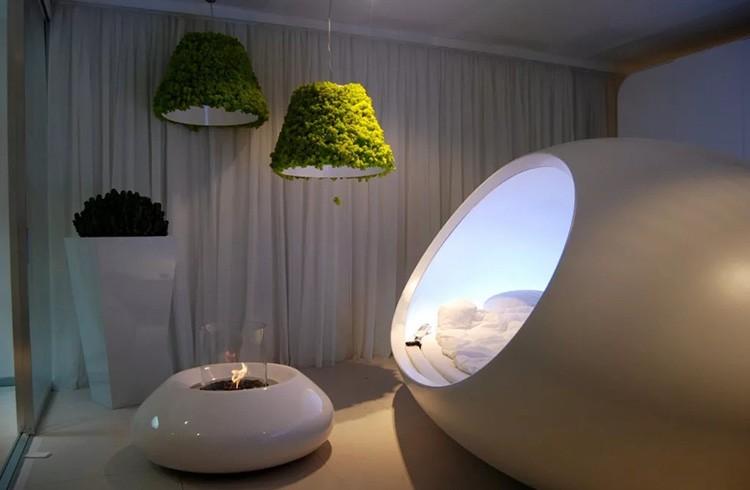 В спальне будущего совершенно спокойно могу уместиться обычный экологичный торшер и вот такая капсула для сна.