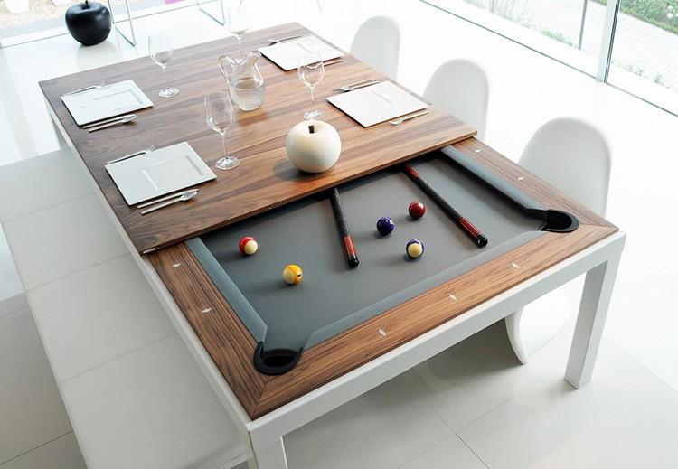 Обеденный стол, совмещённый с бильярдным – очень интересное решение
