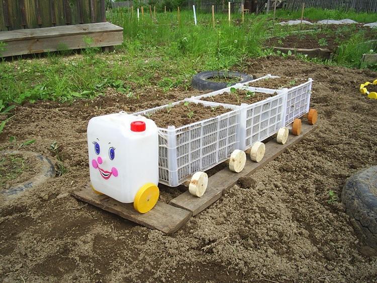 Вот что можно сделать из старых овощных контейнеров