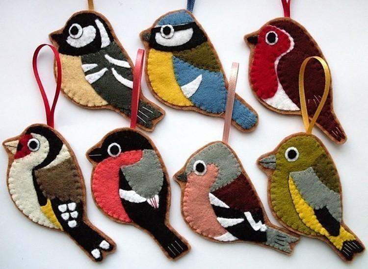 Птицы собираются в виде аппликации.