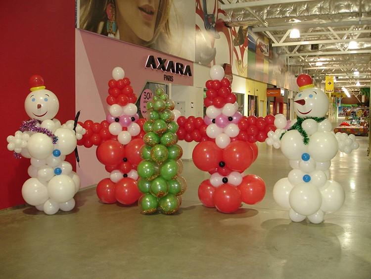Снеговик и Дед Мороз – одни из главных героев новогодней ночи