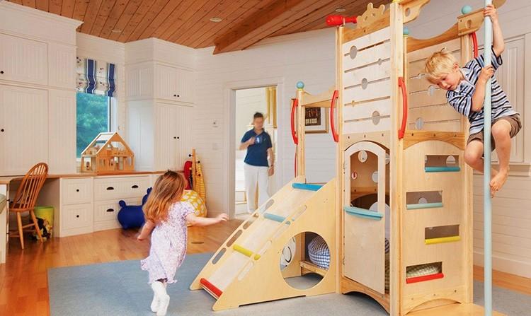 Лестницы, канаты, горки – всё это поможет вашему малышу активно развиваться как физически, так и умственно