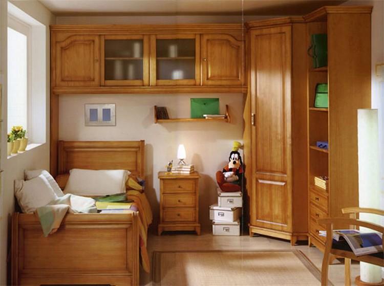 В детскую желательно выбирать мебель из натуральных материалов