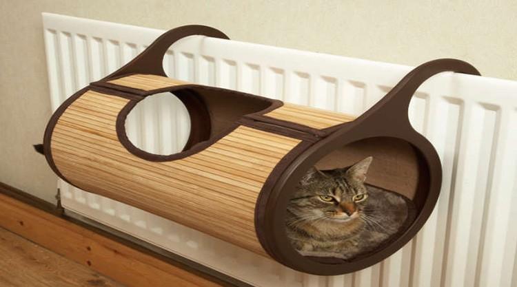 Бамбуковый тоннель обязательно оценит теплолюбивый кот.