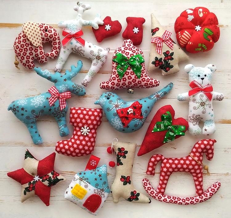 Интересно создать целый набор и украсить им ёлочку в детской комнате.