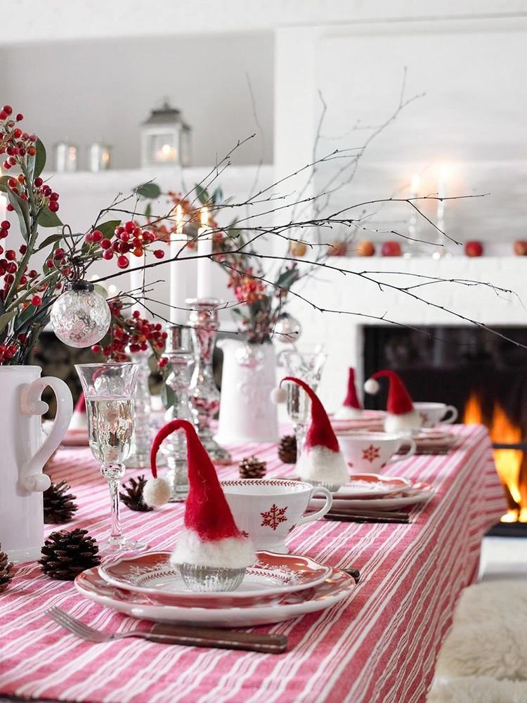 Зимние ягоды способны стать стильным украшением для новогоднего стола