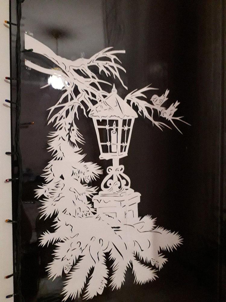 Гирлянда добавит праздничности бумажному украшению