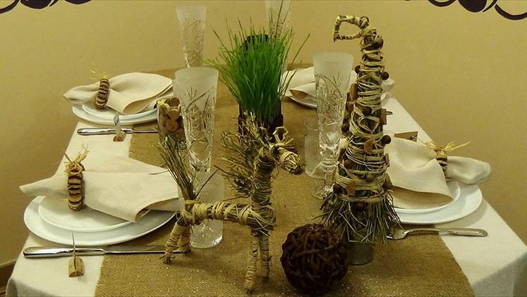 Для изготовления декора используются природные материалы