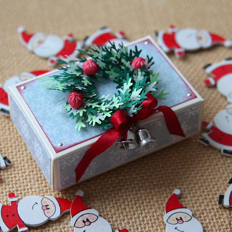 Новогодний венок – один из символов Нового года и Рождества