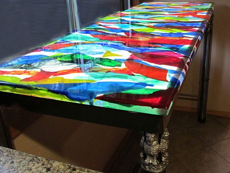 Дополнительно для оформления изделия могут использоваться ткань, фольга или бумага