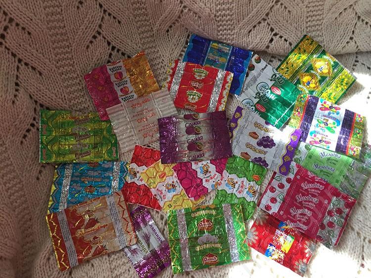 Обёртки от конфет идеально подходят для декорирования гирлянды