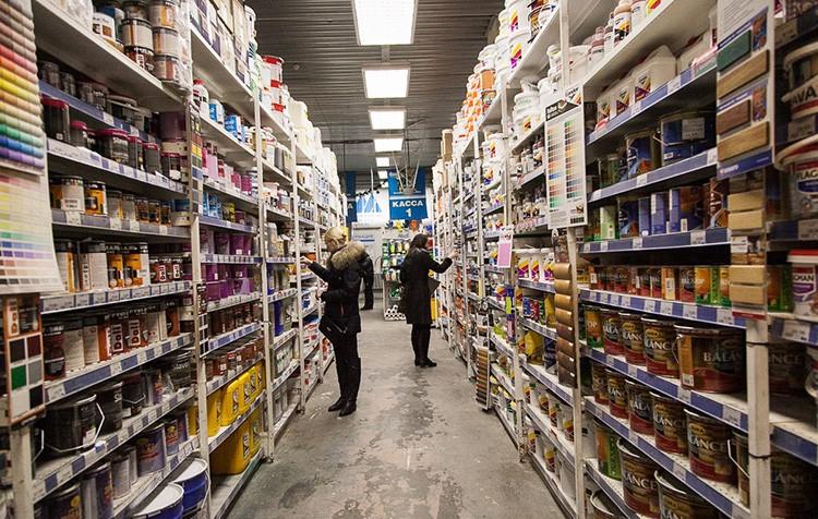 В строительных супермаркетах ассортимент намного больше, чем на рынке, а цены – наоборот, часто ниже