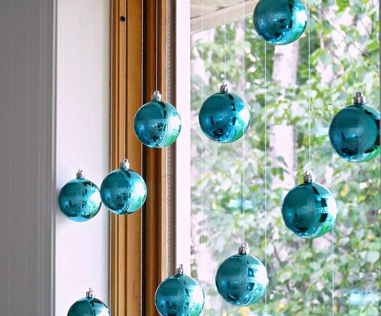 Синие шары – классический новогодний декор