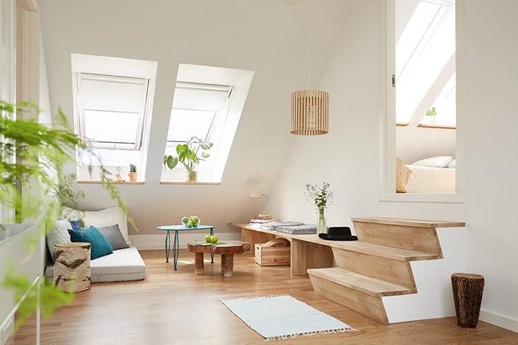 У хороших хозяев всегда чистые окна – не забывайте их мыть, повесьте лёгкие занавески, не закрывающие свет, используйте в интерьере больше светлых оттенков