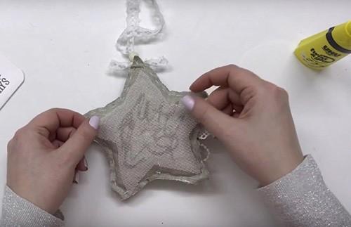 🎄 Когда каждый превращается в волшебника: восхитительные украшения на ёлку в технике скрапбукинга