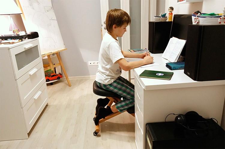 Чем удобнее и комфортнее рабочее место, тем более производительной будет деятельность ребёнка