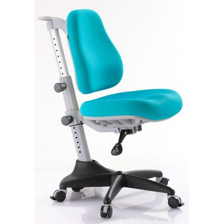 Регулируемая спинка и кресло могут расти вместе с ребёнком