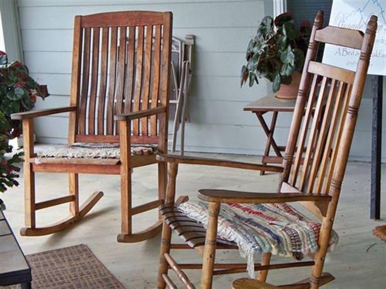 Старому креслу или стулу можно дать вторую жизнь
