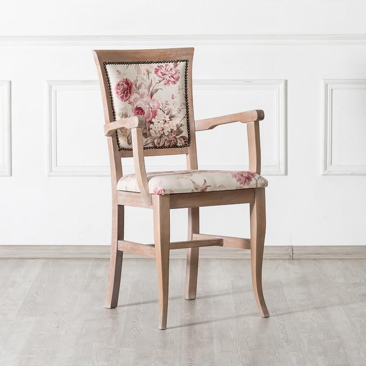 Рядом с такой мебелью должно чувствоваться нечто старинное, душевное и волнующее. Если этого чувства нет, то такие стулья брать не стоит.