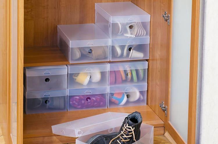Удобно, если коробки прозрачные. Это позволит легко ориентироваться в том, что нужно достать в первую очередь.