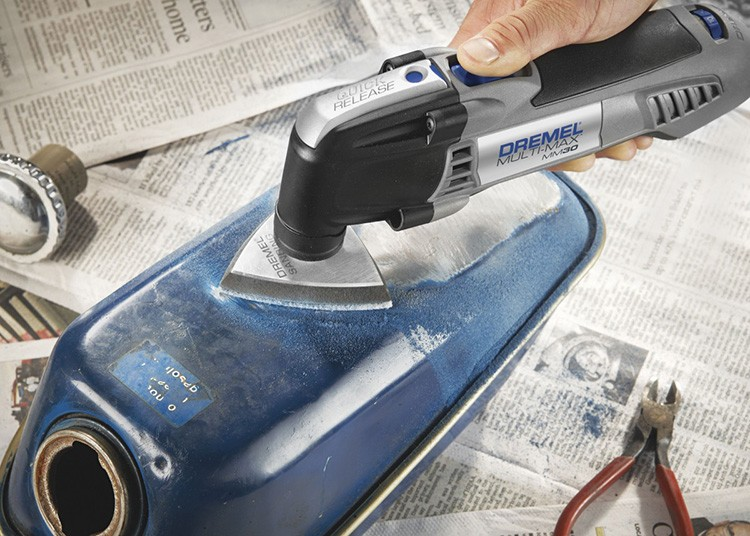 Это мощный гаджет для выполнения сложных реставрационных и ремонтных работ с двумя аккумуляторами