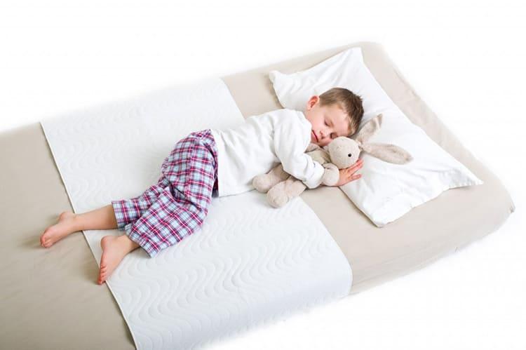 Ширина и длина матраса должны быть такими, чтобы ничего не мешало комфортному сну ребёнка