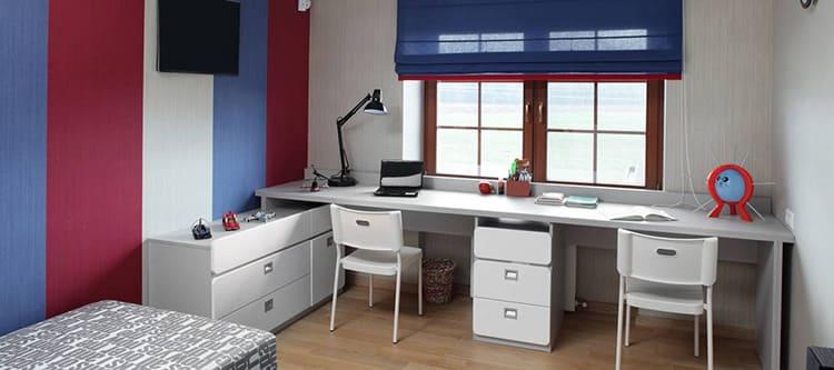 Лучшее место для письменного стола школьника – у окна