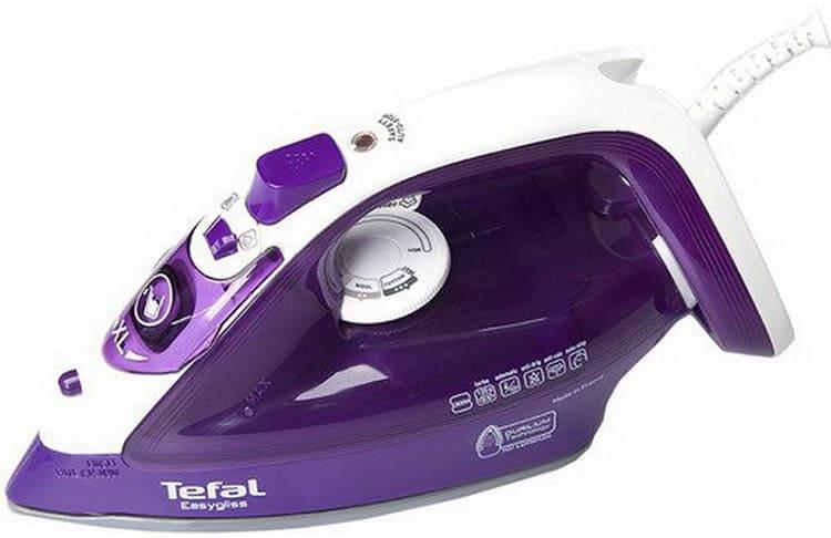 Tefal FV 3930, цена – 2800 рублей. Система автоматики срабатывает при вертикальном положении утюга через 8 минут, в горизонтальном – через 30 секунд