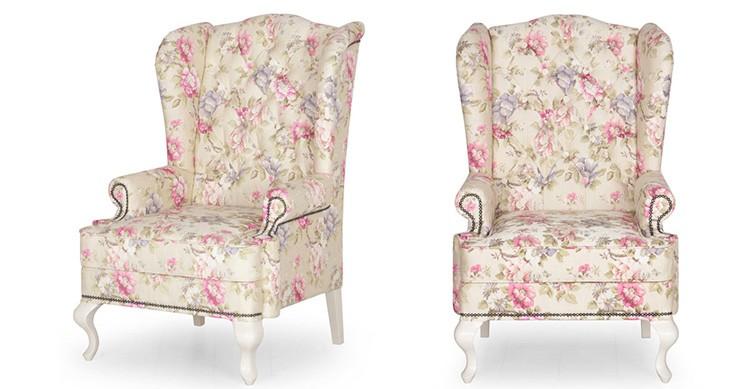 Светлый цветочный мотив является марким, но на таких креслах сидеть очень удобно.