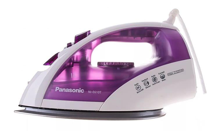 Panasonic NI-E610TVTW, цена – 2000 рулей. Обладает лёгким скольжением титановой подошвы, быстрым нагревом и остыванием