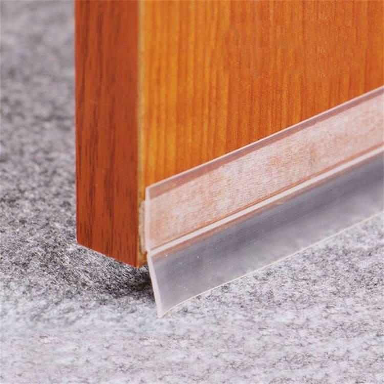 Прозрачная плоска имеет с одной стороны надёжный клейкий слой