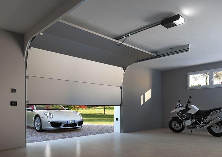 Секционные ворота актуальны для гаража