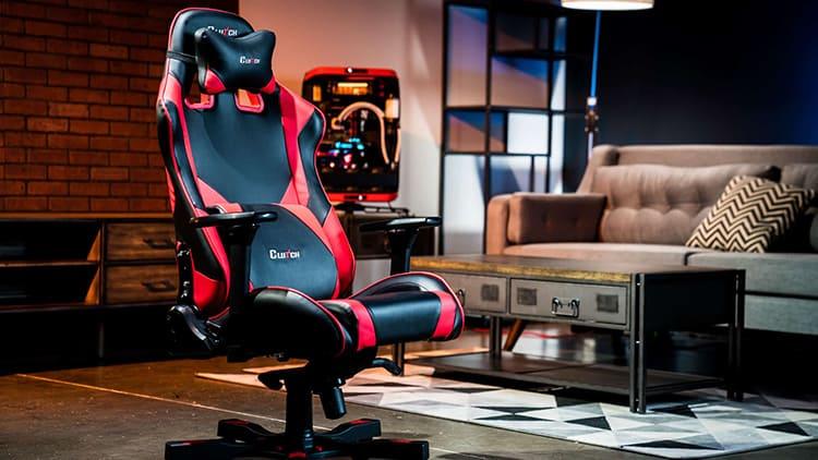 Такие стулья стоят дороже обычных, но у них ортопедические спинки и очень комфортное сидение – как раз то, что нужно для долгих занятий