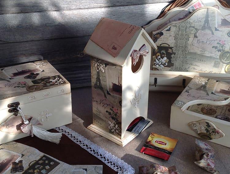 Отдавайте предпочтение домикам с открывающейся крышей – так удобнее загружать в них чай