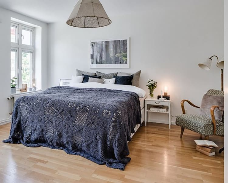Вязаные покрывала на постель – «классическое» решение для скандинавского стиля