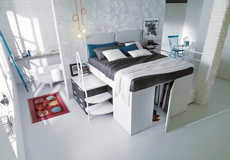 В основном кровать-комод представляет собой высокую многофункциональную конструкцию