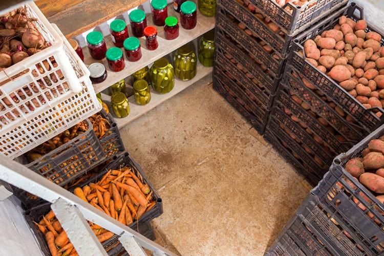 Погреб – удобная система хранения овощей и домашних заготовок