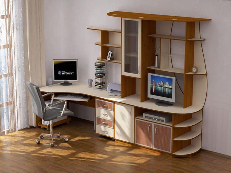 Производители предлагают компьютерные столы самой разной конфигурации