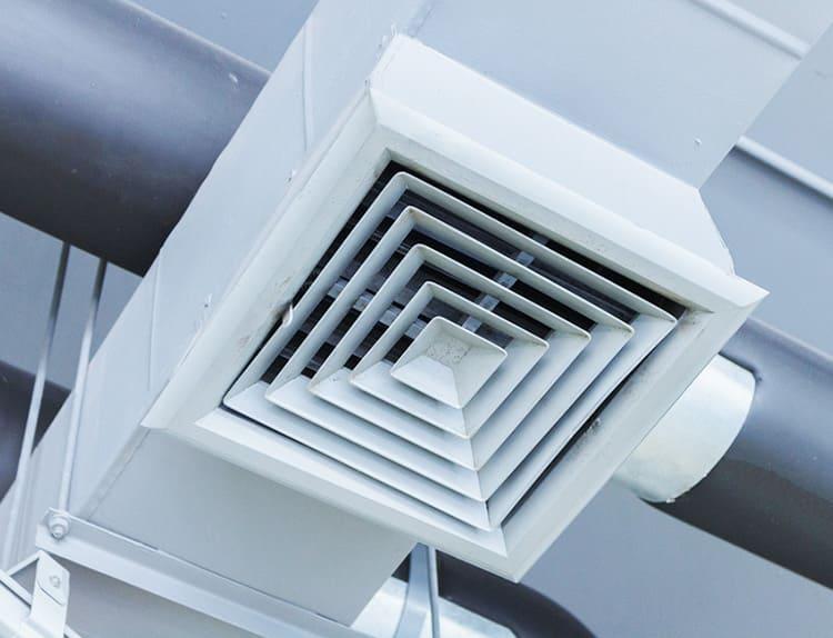 Вентиляционная решётка короба квадратного сечения