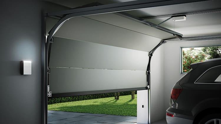 Автоматика способна повысить уровень защиты гаража